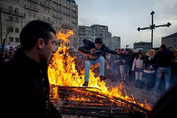 Hogueras para los amantes: Armenia celebra Trndez