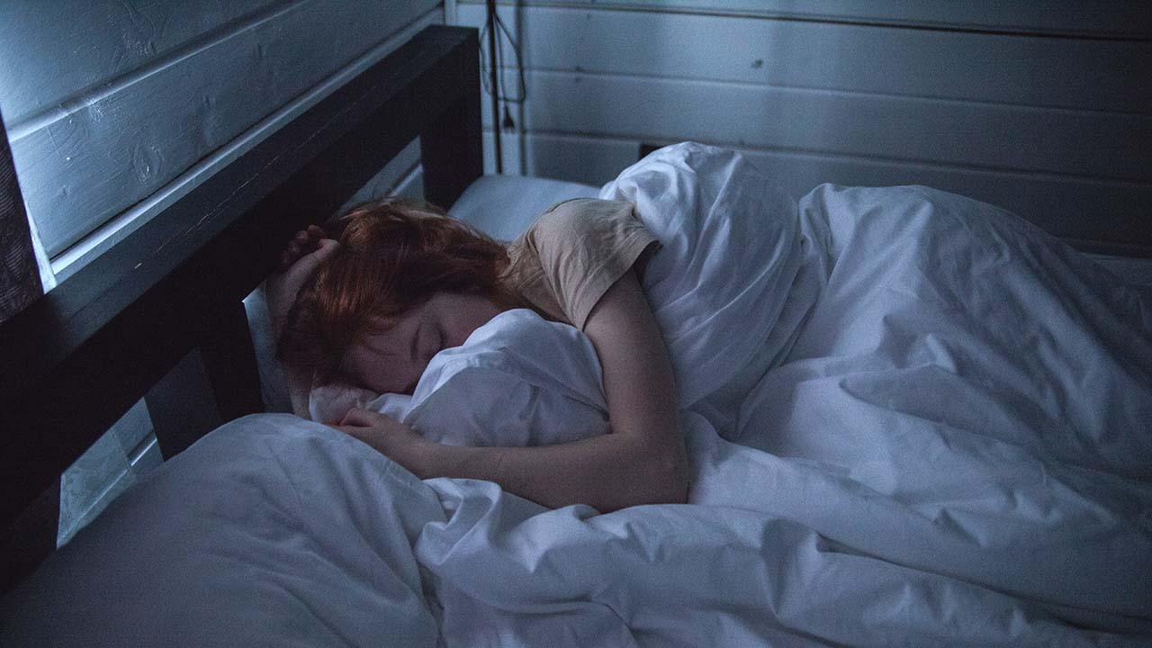 Risiko Main Ponsel Ketika Sebelum Tidur