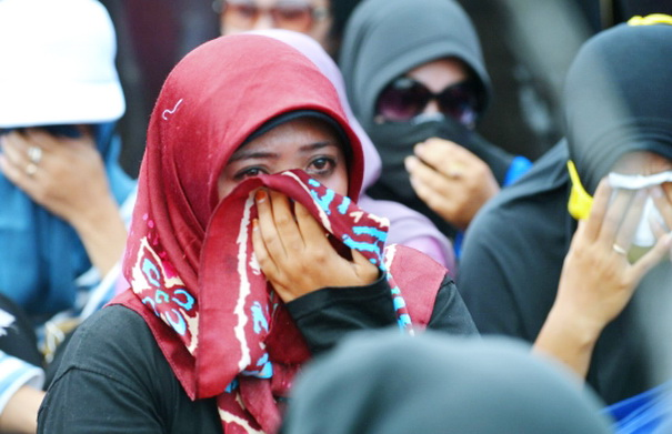Gaji Disunat, Ribuan Guru Honorer Menangis: Hutang Saya Sudah Menumpuk di Warung!
