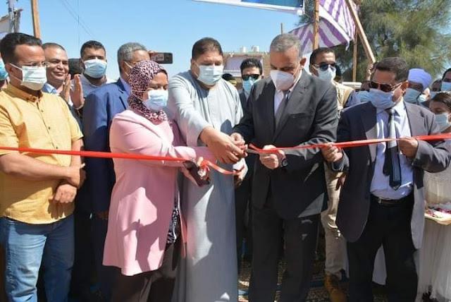 محافظ سوهاج يفتتح السوق الحضري المركزي بقرية أولاد سلامة فى المنشاه