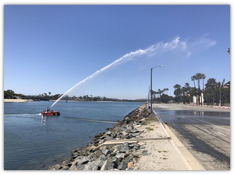 watercar fire fighter diatas air