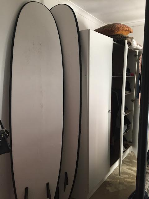 Surfboards im Airbnb Zimmer