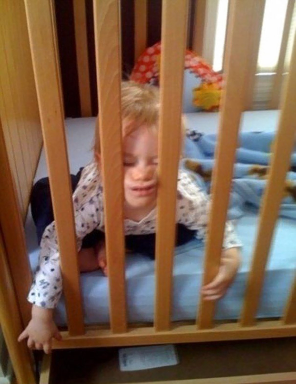 15+ Hilarious Pics That Prove Kids Can Sleep Anywhere - Sleeping Beauty