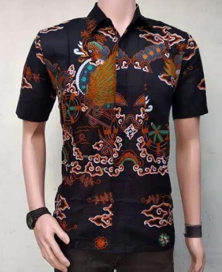 28 Inspirasi Model Kemeja Batik Pendek Terbaru Dan Populer 2019