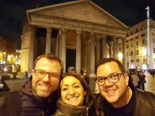 Guia particular no Pantheon de Roma, Italia