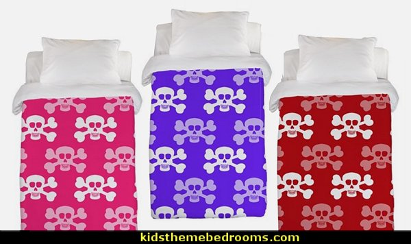 Skull and Cross Bones bedding  Skull decor - skull bedding - skull pattern bedding - decorative skulls - sugar skull bedding - skull themed room - skull bedroom wallpaper - Skull bedroom decorating ideas - Monster High bedroom ideas - Monster High wall decals - Monster High room decor - skull bedroom decor ideas