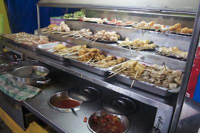 Serba-serbi  Makanan Serba Celup dari   Mr.Celup's