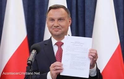 Polonia, valores, cristianismo, religión, constitución