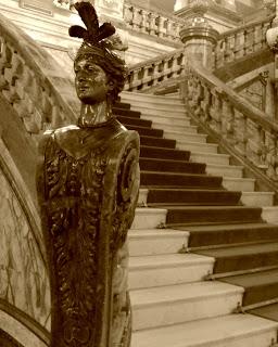 Escultura na Escadaria do Teatro Municipal do Rio de Janeiro