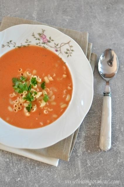 Pomidorówka z przecieru pomidorowego (Pomidorówka z koncentratu)