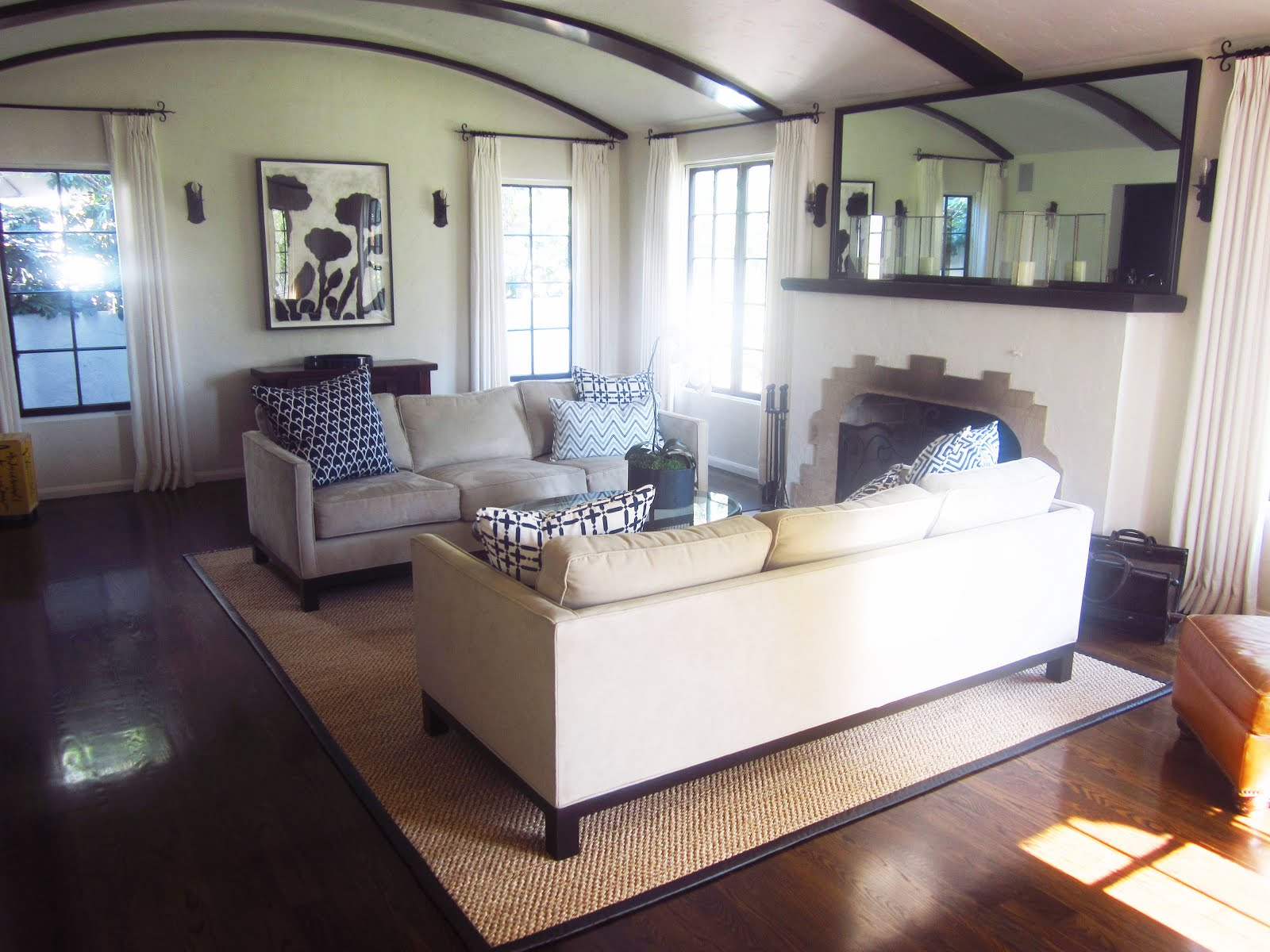Simply White Living Room Ideas: COCOCOZY EXCLUSIVE: SIMPLY ELEGANT CALIFORNIA LIVING ROOM