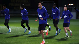 Barcelona back to training without Roberto