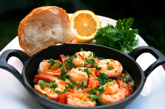 Spanish Garlic Prawns #dinner #shrimp