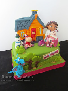 bolo doutora brinquedos bragança doces opções