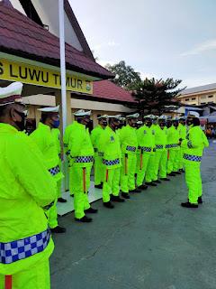 Pimpin Apel, Kasat Lantas Polres Lutim Cek Kelengkapan Personel Hadapi Musim Hujan