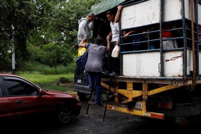"""Las """"perreras de la muerte"""" relevan a los autobuses en Venezuela"""