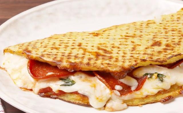 Keto Lunch recipe - Keto Cauliflower Calzones