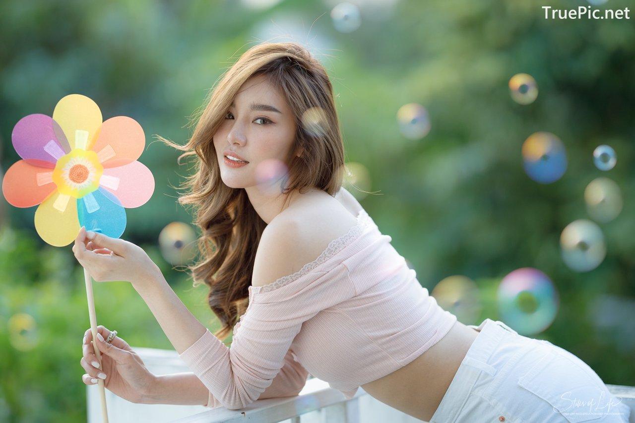 Image Thailand Model - Jarunan Tavepanya - Pink Croptop and White Short Pants - TruePic.net - Picture-1