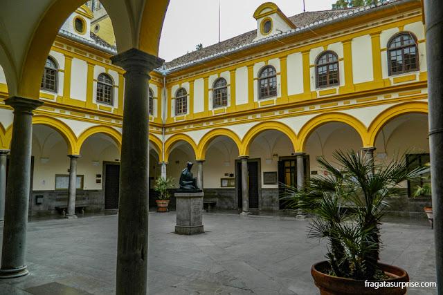Patio da Faculdade de Direito da Universidade de Granada