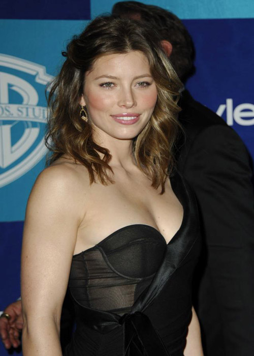Hollywood Actress Jessica Biel Hot Pictures Tops