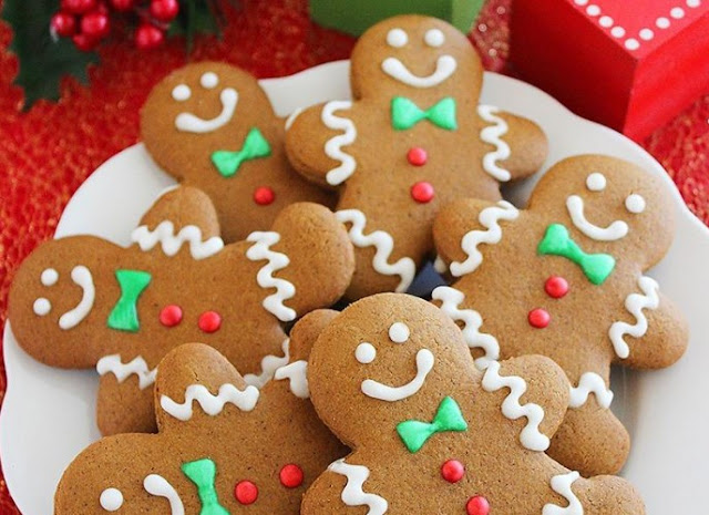 Gingerbread Cookies #cookies #desserts