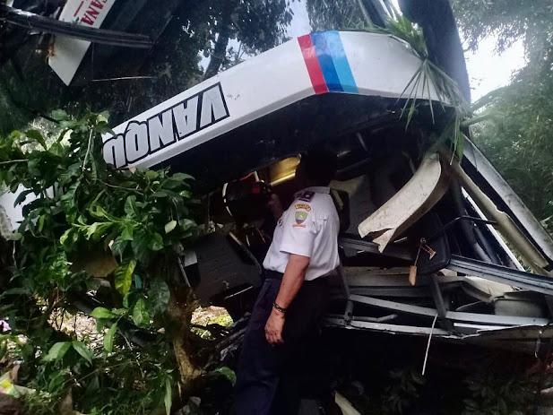 Bus Masuk Jurang di Sumedang, Korban Tewas jadi 27 Orang
