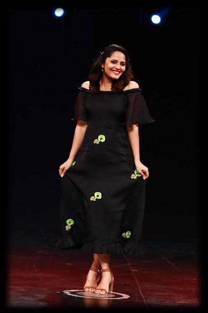 Actress Anasuya Bharadwaj Trendy Photos Actress Trend
