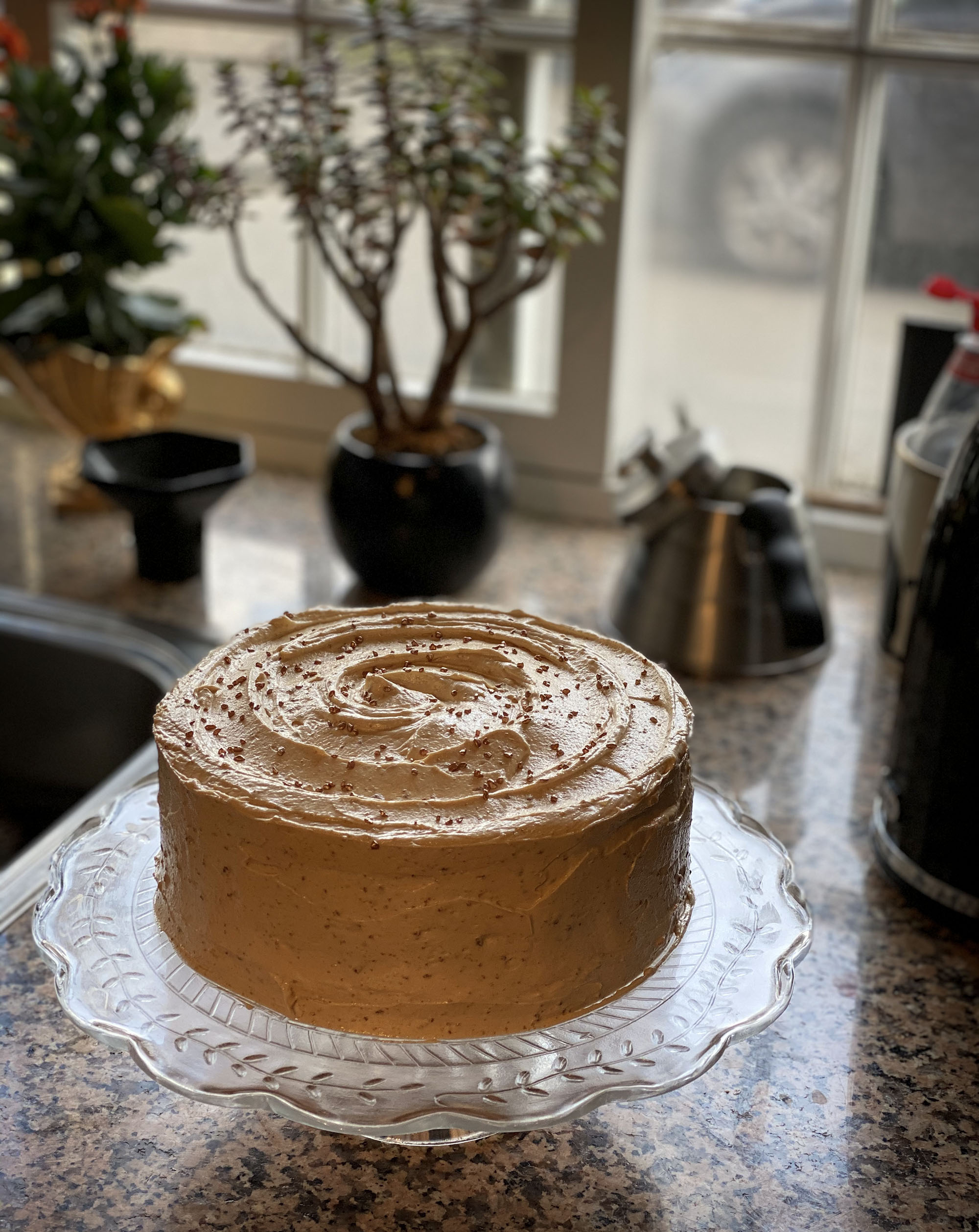 Biscoff vanilla layer cake