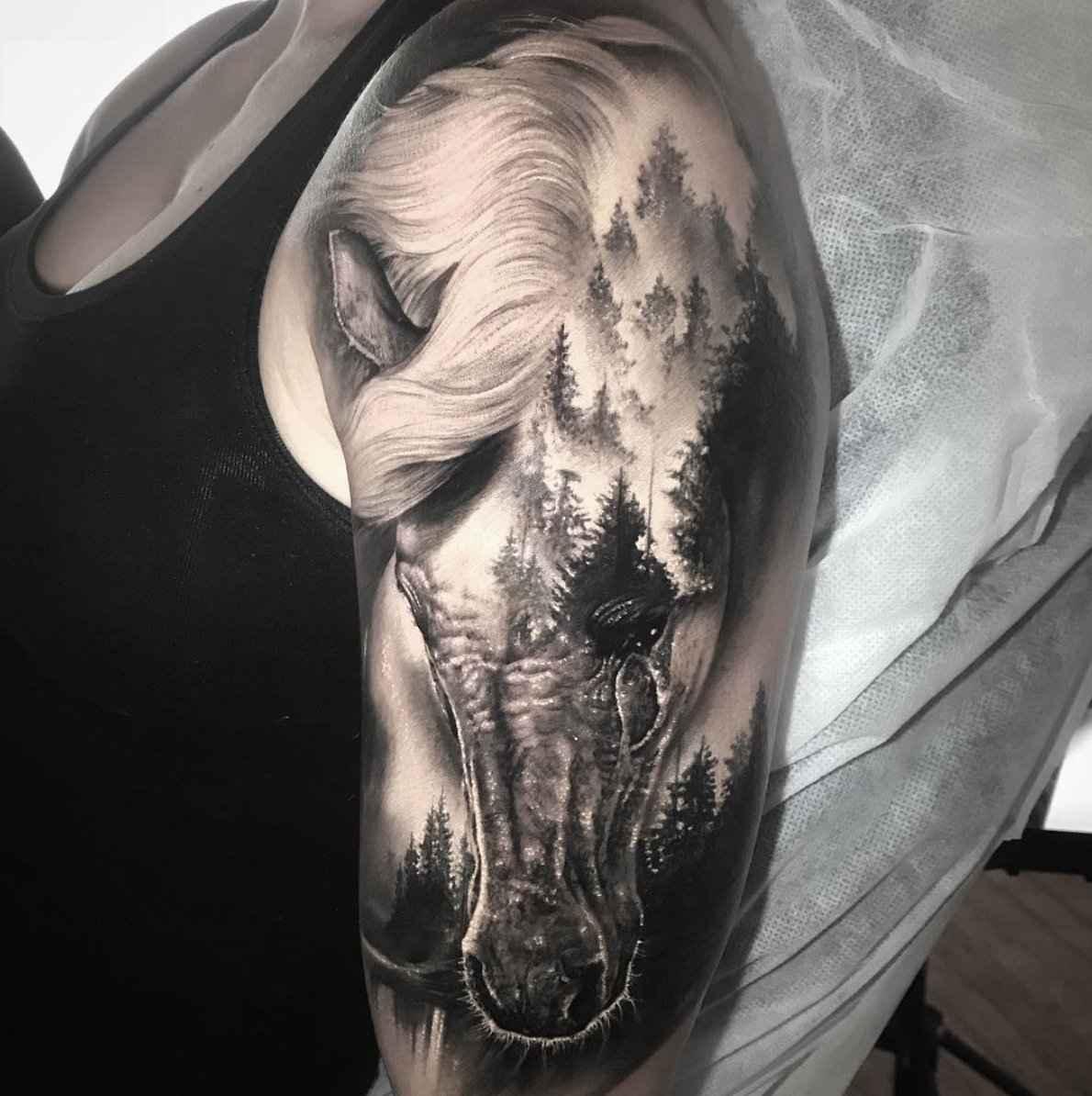 significado-tatuaje-caballo