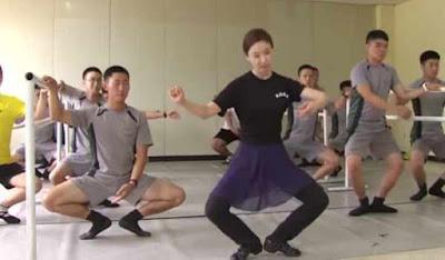 Στρατιώτες κάνουν μπαλέτο για να τους φύγει το στρες!