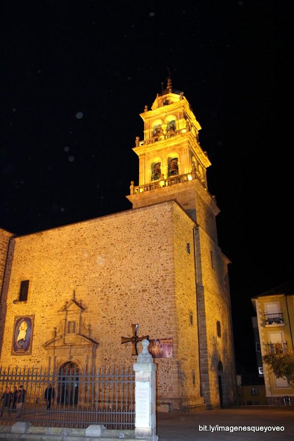 León. Camino de Santiago por tierras de León. Ponferrada. Caballeros Templarios protegiendo al peregrino. Knights Templar protecting pilgrims