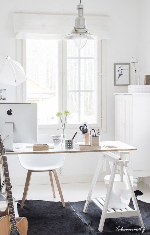 Estor blanco pachetto espacio de trabajo estilo escandinavo
