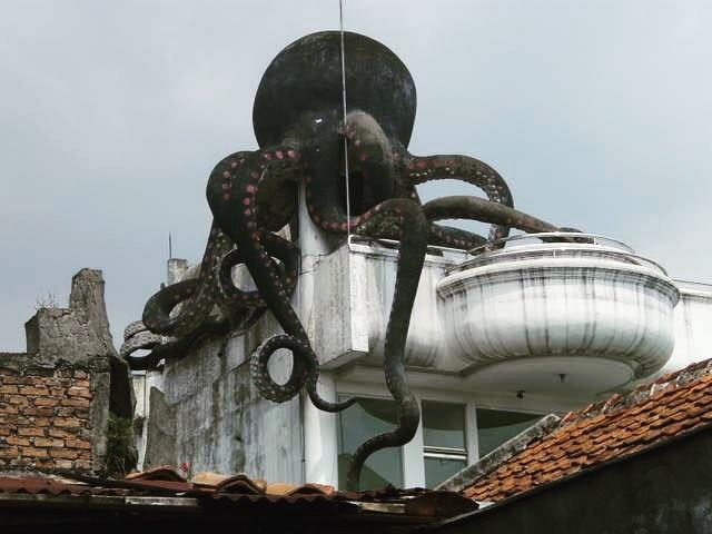 Penampakan Rumah Gurita Bandung