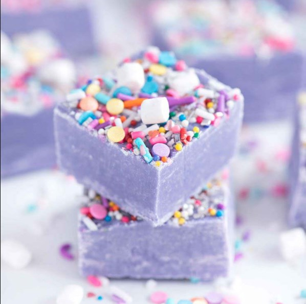 UNICORN FUDGE #Cake #unicorn