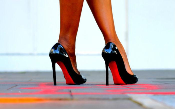 5b94b178ce Συμβουλές για τα ψηλά τακούνια από τον μετρ του είδους…Louboutin! 7 χρυσοί  κανόνες για πόδια χωρίς πρόβλημα!