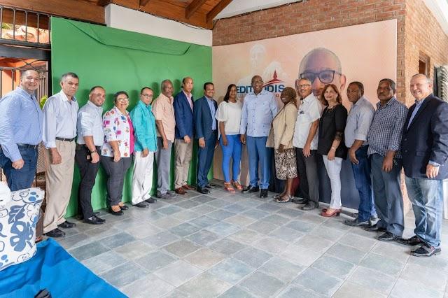 Editrudis Beltrán establece alianza con maestros del Recinto UASD-Barahona