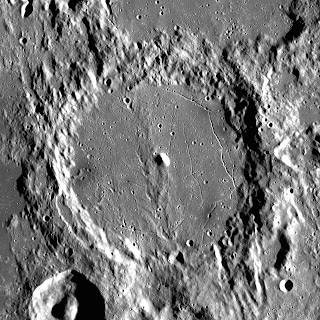 apollo-mission,alphonsus_crater_in_hindi