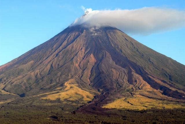 mayon vulkaan filipijnen, vulkanen, actieve vulkanen, reizen naar de filipijnen