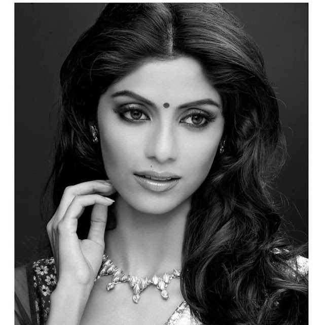Sayantani Ghosh hot, marriage, in saree, in mahabharat, dance performance, bharat kaul, photos, bikini, boyfriend, nagin, in bikini, hot photos, dance