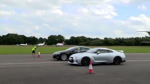 日産GT-R VS テスラ・モデルS