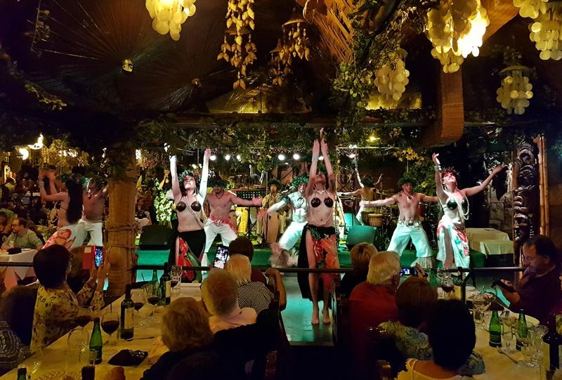 Bali Hai  Santiago, jantar com show