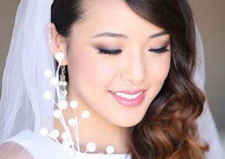 Make up natural atau tebal saat pernikahan