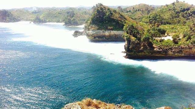 Pantai Batu Bengkung, Malang
