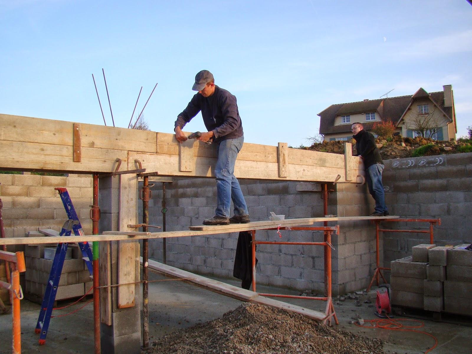 linteau du sous sol et protection de soubassement semaine 48 et 49 projet construction de maison. Black Bedroom Furniture Sets. Home Design Ideas