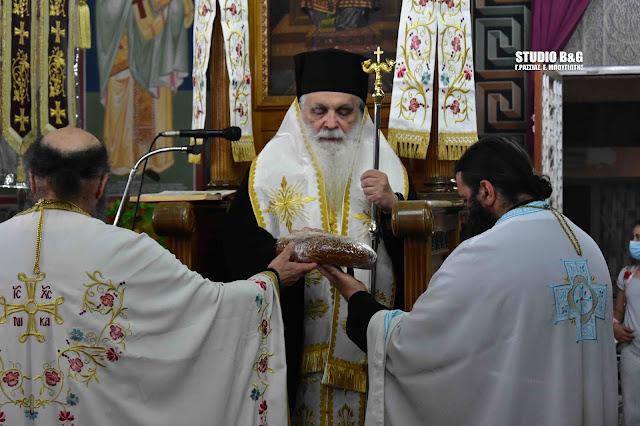 Αρχιερατικός εσπερινός του Αγίου Πνεύματος στην Αγία Τριάδα (Μέρμπακα) Ναυπλίου (βίντεο)