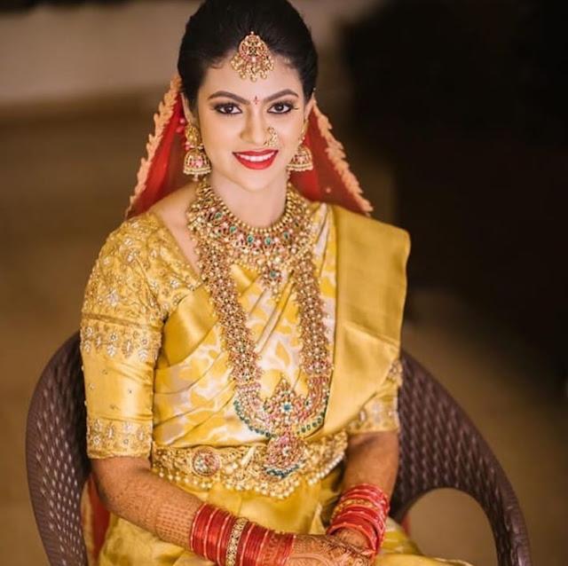 Bride in Grand Kundan Sets Vaddanam