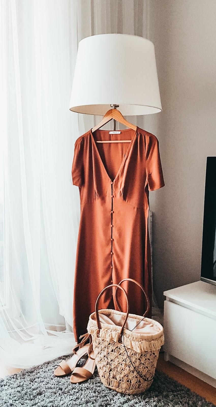 Mangooutlet czerwona sukienka midi na lato