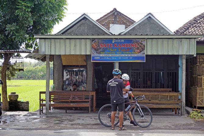 Bersepeda menuju Sate Kambing Sor Talok Bantul