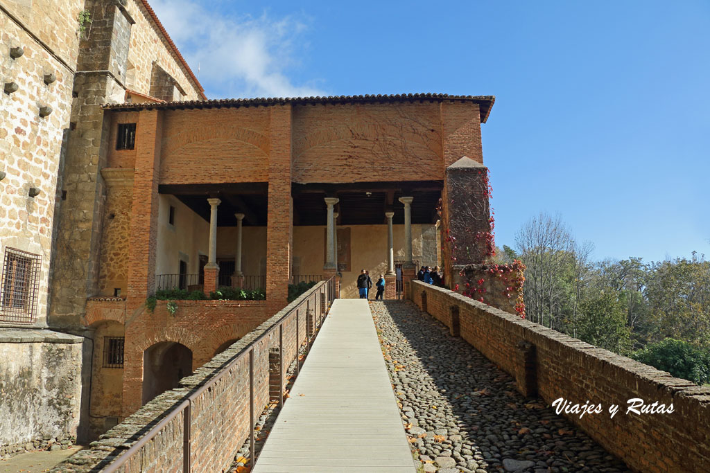 Rampa de acceso al Palacio de Yuste