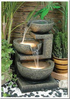 L'eau à des vertus extraordinaires, il suffit de la regardée et l'écoutée...